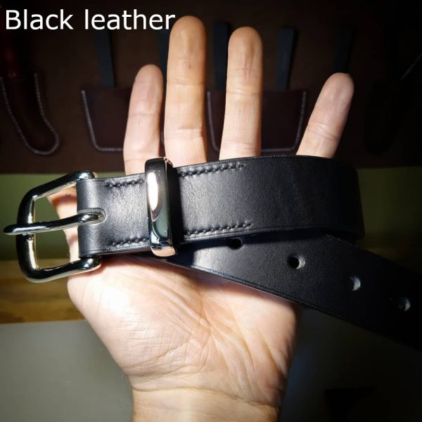 Tunner belt in black with black stitching and nickel-plated buckle 3